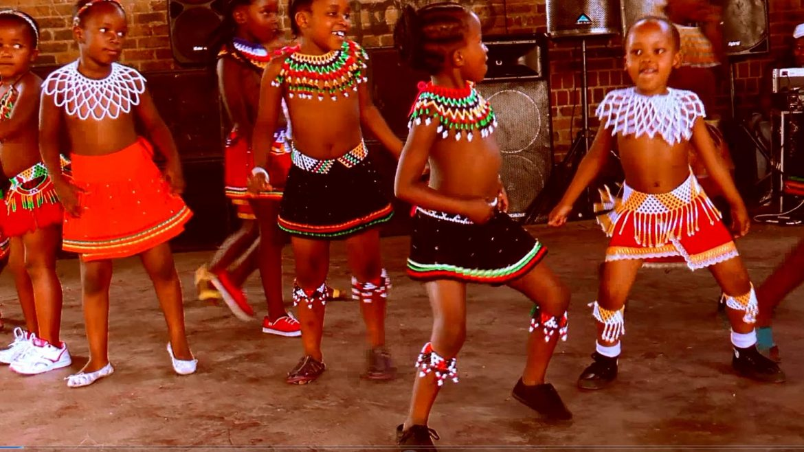 African Kids can dance