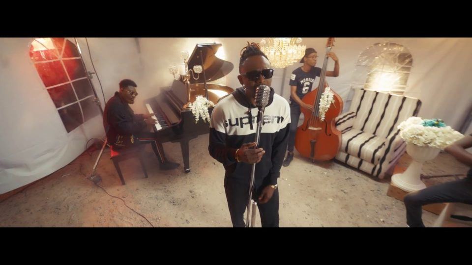 Sean Tizzle – Wasted (Acoustic Version)